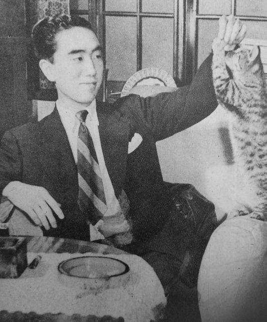 Yukio Mishima v. 1948 kissansa kanssa